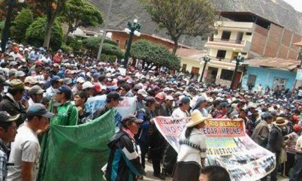 Más de cinco mil comuneros protestaron en rechazo a la minera Río Blanco
