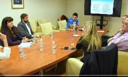 Emisarios ex-empleados de Minas Argentinas insistieron en la legislatura con explotar el yacimiento de Esquel