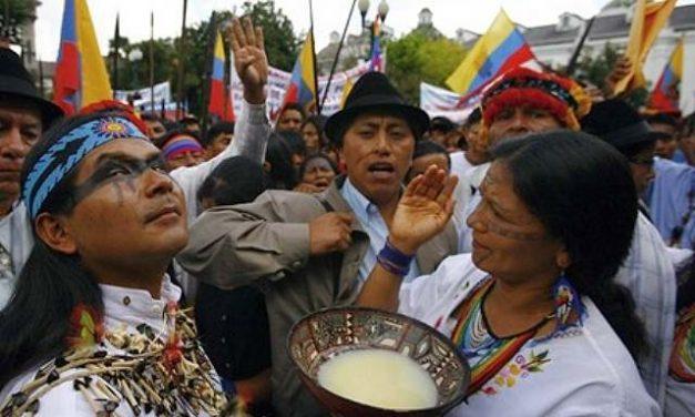 Hay cinco frentes de tensión por la minería entre indígenas y el gobierno ecuatoriano