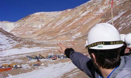 Ministerio de Ambiente tomó muestras en el yacimiento Lama por los derrames
