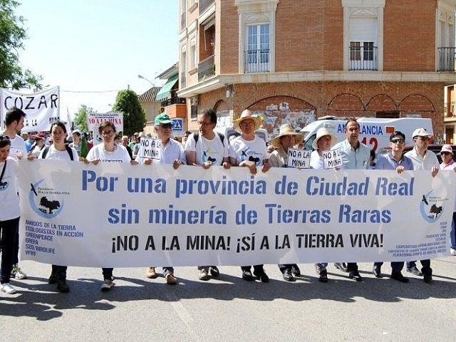 Vecinos de Valdepeñas crean un 'frente antimina' contra la minería de tierras raras