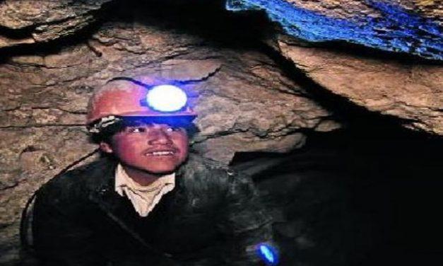 Alicia en el país de la minería