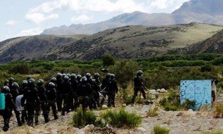 Asamblea de Esquel repudia la represión al Lof Cushamen: los derechos humanos atropellados por fuerzas estatales