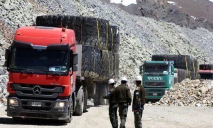 Minera Los Pelambres solo retiró los neumáticos del basurero tóxico en territorio argentino