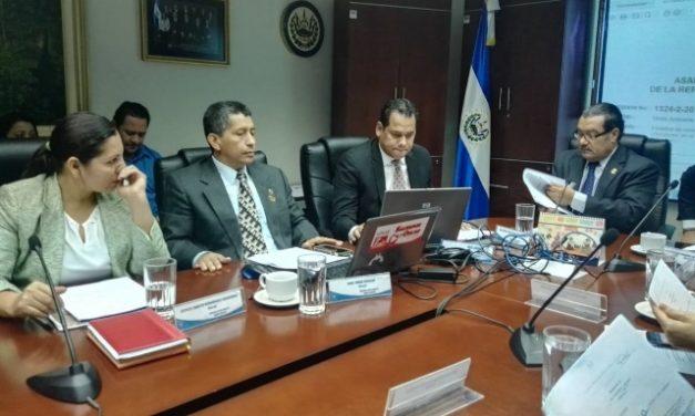 Inicia discusión de ley para prohibir minería metálica en el país