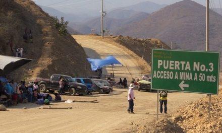 """Hubo un acuerdo con un grupo pero sigue el bloqueo de accesos a la Minera """"Media Luna"""""""
