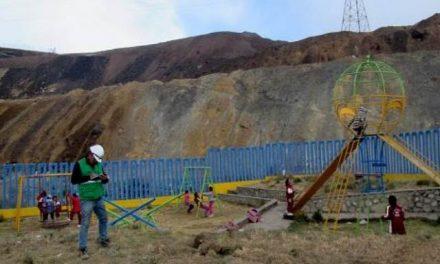 Impulsan medidas contra tres mineras por contaminación en suelo de escuela de Pasco