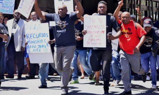 Afectados por la minería logran alzar su voz en Sudáfrica