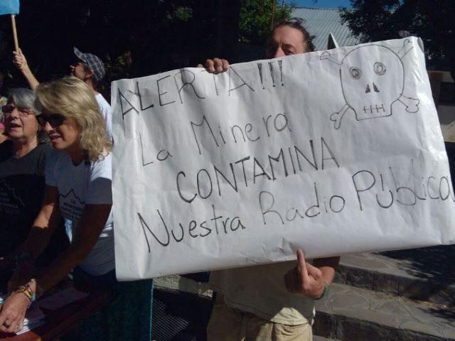 Acción vecinal contra programas promineros en Radio Nacional Esquel