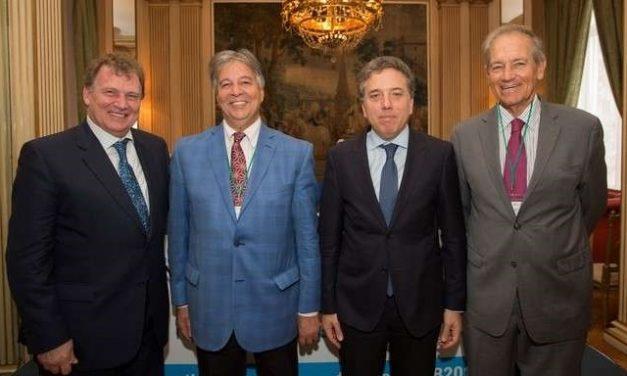 El gobierno argentino ofrece yacimientos de metales y litio en Londres