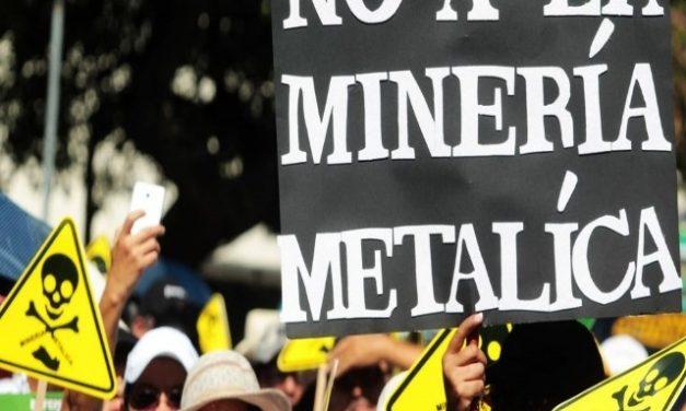 Salvadoreños liderados por Iglesia marcharon contra minería