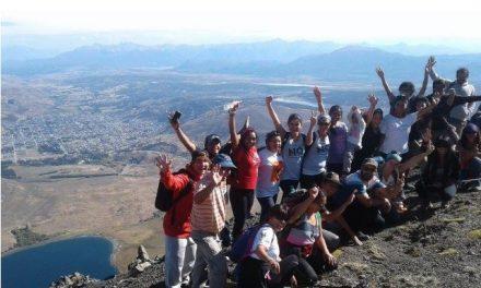 Para festejar el triunfo del NO A LA MINA hicieron un nuevo ascenso al Calfú Mahuida-Cerro 21