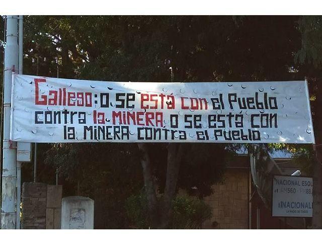 Marcha en Esquel: rotundo mensaje contra las voces pro mineras en Radio Nacional