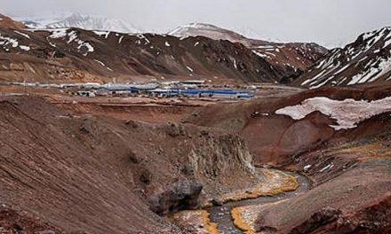 Ordenan análisis a pobladores para ver si los contaminó la mina Veladero