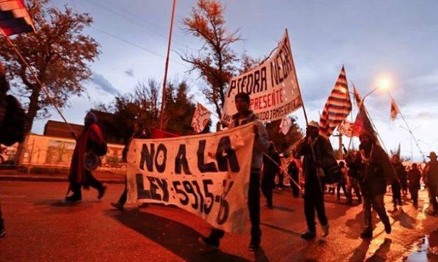 """Marcha indígena en Jujuy: """"Basta de saqueo a la Pachamama"""""""