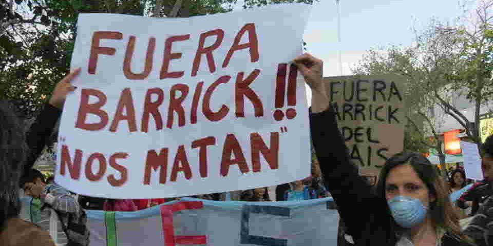 Regalías mínimas, tóxicos y destrucción abundantes: Barrick paga solo $168 millones anuales enSan Juan