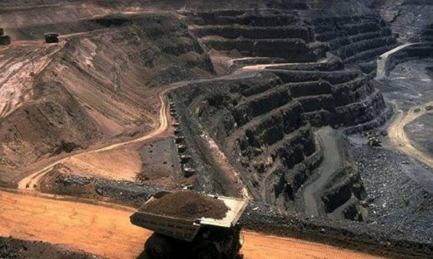 Mineras acaparan, contaminan y sobrexplotan el agua de México