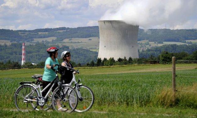 Suizos aprueban abandonar energía nuclear y adoptar renovables