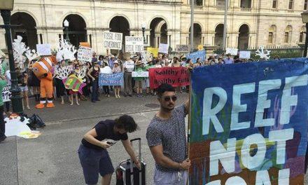 Australia aprueba la controvertida mina de carbón cerca de la Gran Barrera