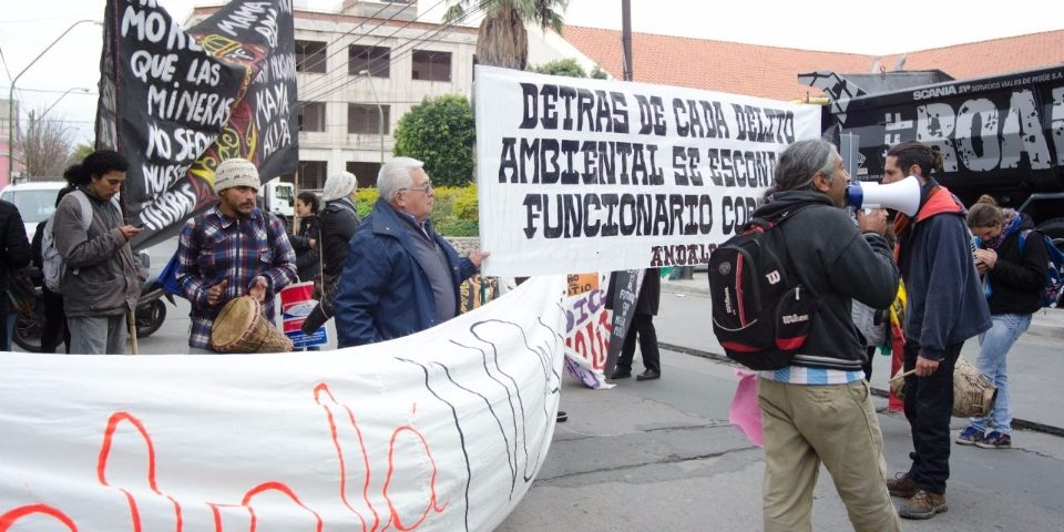 Manifestación en la Convención de Litio contra de la explotación minera