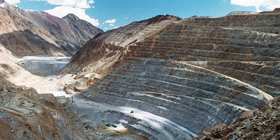 Denuncian actos de corrupción y contaminación de la minera Los Pelambres
