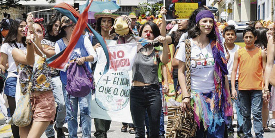 Marcha carnaval contra la minería en Santa Rosa de Cabal