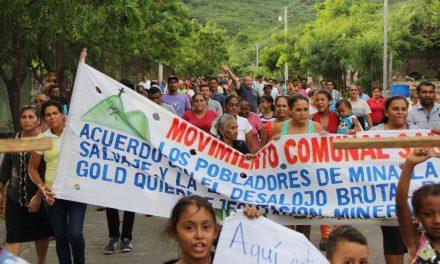 Pobladores protestan contra mina La India que quiere desalojarlos