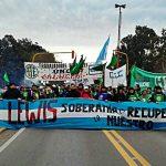 Organizaciones sindicales y sociales protestaron en Sierra Grande contra la extranjerización de la tierra y la central nuclear