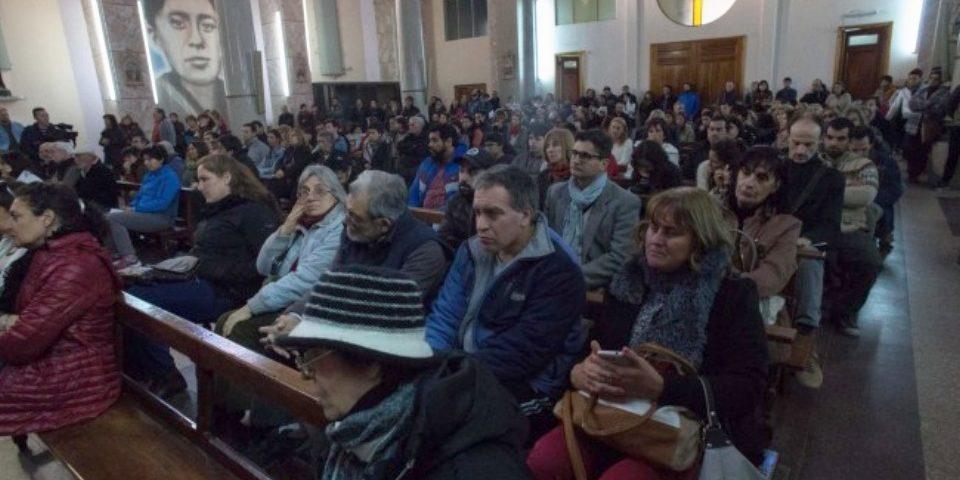 Multitudinaria asamblea convoca a una marcha en Viedma contra la planta nuclear