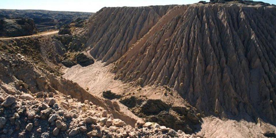 La CNEA promete sanear la mina de uranio Los Gigantes cerrada en 1990