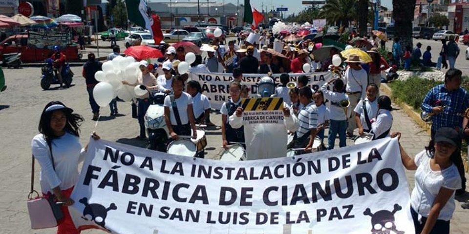 Fábrica de cianuro rechazada en Guanajuato encuentra refugio en Durango