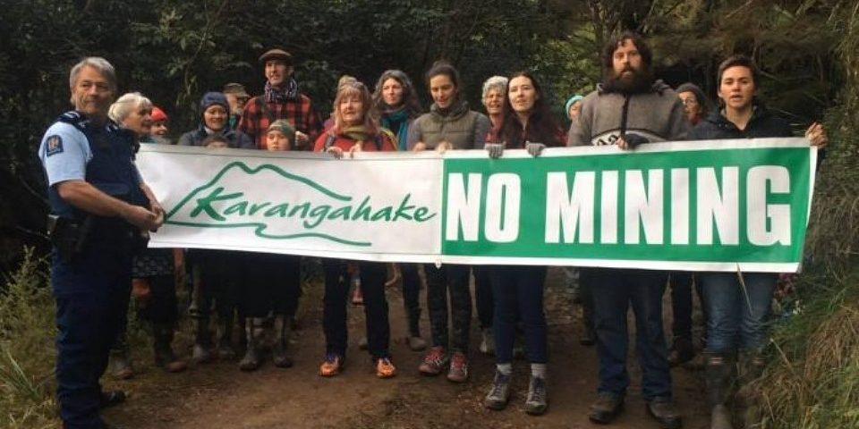 El hallazgo de una minera amenaza una montaña sagrada en Nueva Zelanda
