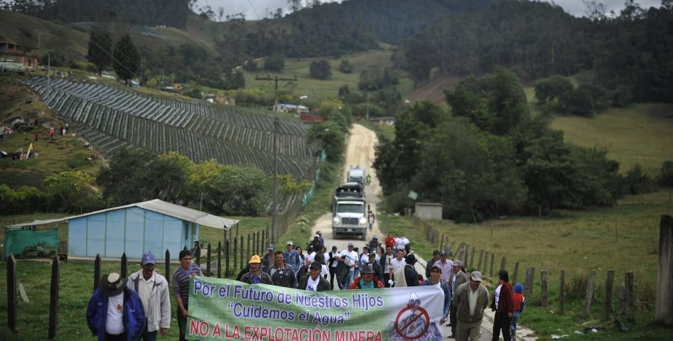 Tres municipios de Santander alistan consultas sobre explotación minera