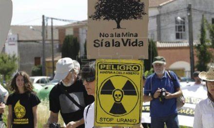 Unas 500 personas se manifiestan contra la mina de uranio en Salamanca