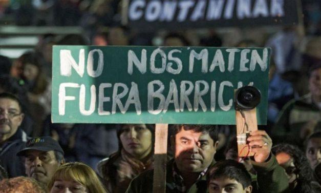 Confirman el procesamiento a 8 ejecutivos de Barrick por el primer derrame en Veladero