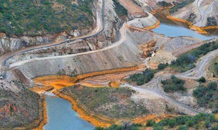 El des-control estatal y la minería i-rresponsable