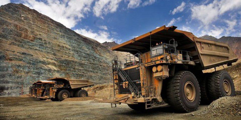 Los gobiernos de Argentina y Chile más cerca de las empresas mineras que de los pueblos