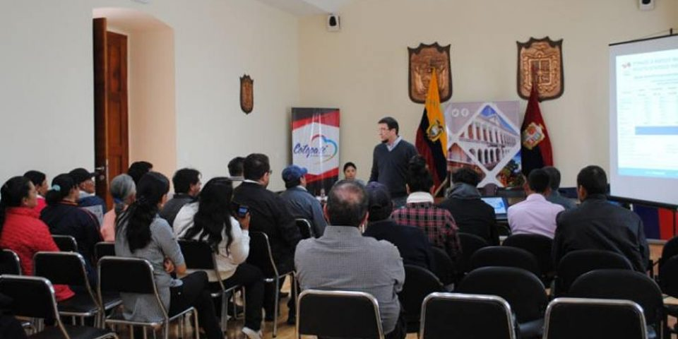 Moradores de Las Pampas se oponen al proyecto de minería en Palo Quemado
