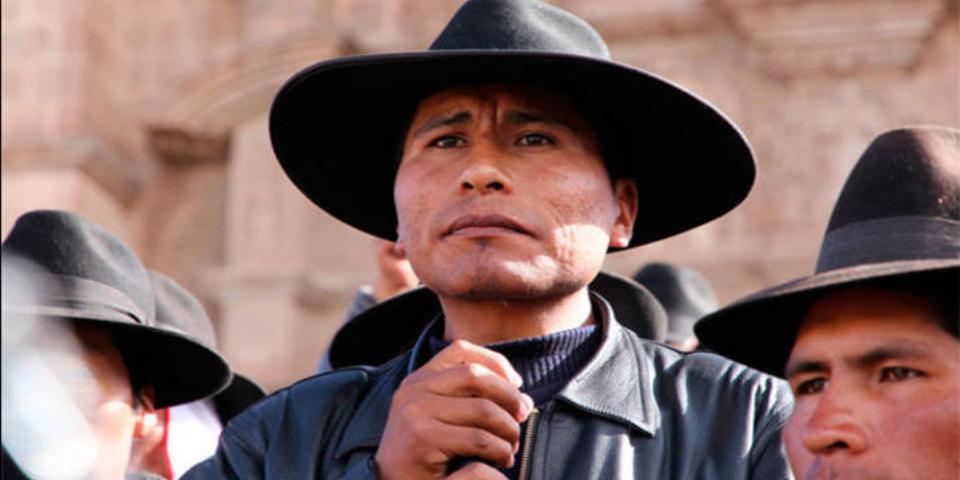 Ordenan captura de dirigente aimara que lideró protestas contra minera