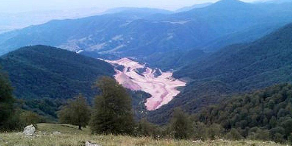 Suspenden explotación minera de cobre en Armenia por los riesgos de sus residuos tóxicos