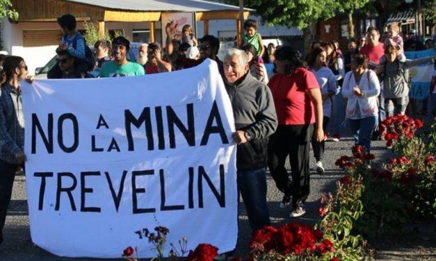 En Trevelin marcharon contra la minería y la represión en Telsen