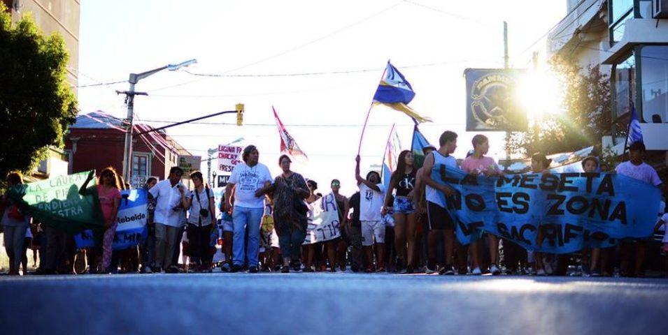 Vecinos de Trelew y de la meseta marcharon contra la minería en Chutut