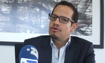 Renuncia ministro de Minería en Ecuador a cinco días de la consulta popular