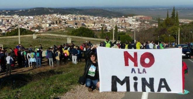 Cáceres no quiere una mina de litio a cielo abierto a las puertas de la ciudad