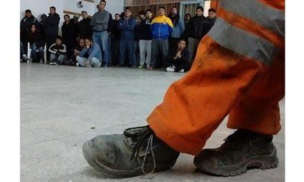 Cerró la mina de hierro en Sierra Grande y despidió a 250 operarios