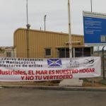 Pescadores y buzos manifestaron por la fuga de concentrado de cobre