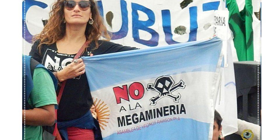 """""""La salida a la crisis no es la mega minería, es articular las luchas y estar en las calles"""""""