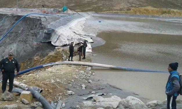 Derrame de 50 mil metros cúbicos de relaves mineros en Ancash