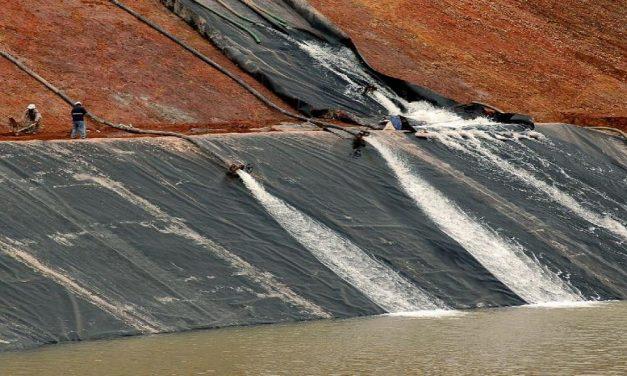 Control del agua y extractivismo-minero