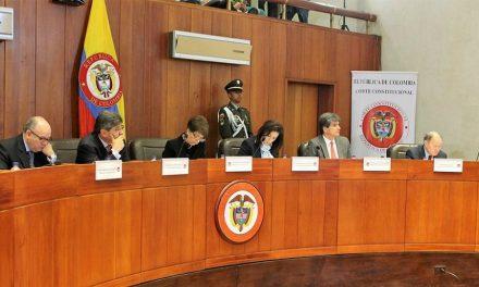 Gobierno colombiano pide concertación en proyectos mineros y rechaza prohibición popular